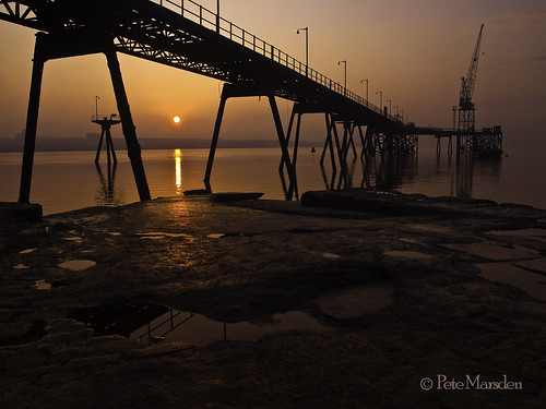 uk sunrise pier wirral tranmere rockferry absolutelystunningscapes