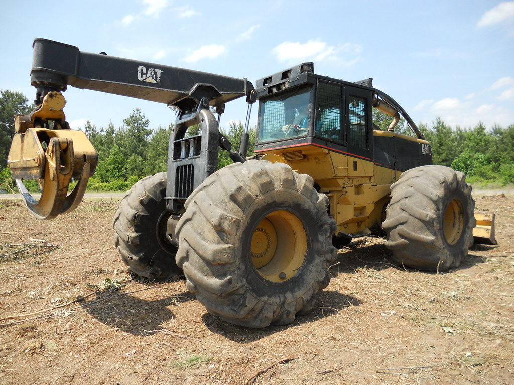 2005 CAT 545 Skidder for Sale with 7100 Hours, Winch, 35 5