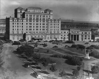 Nova Scotia Hotel/Hôtel Nova Scotia