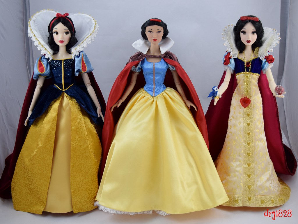 Three 1/4 Scale Limited Edition Snow White Dolls - Shangha
