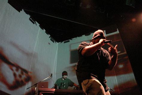 Multi_16_07> Turbo Trio + VJ Sandro Menezes