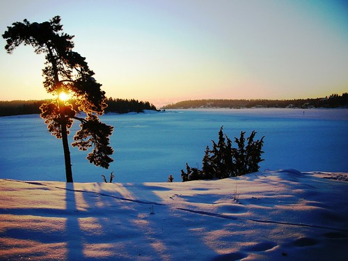 The Magic of extreme cold and snow at Oslo Fjord #1 | by RennyBA