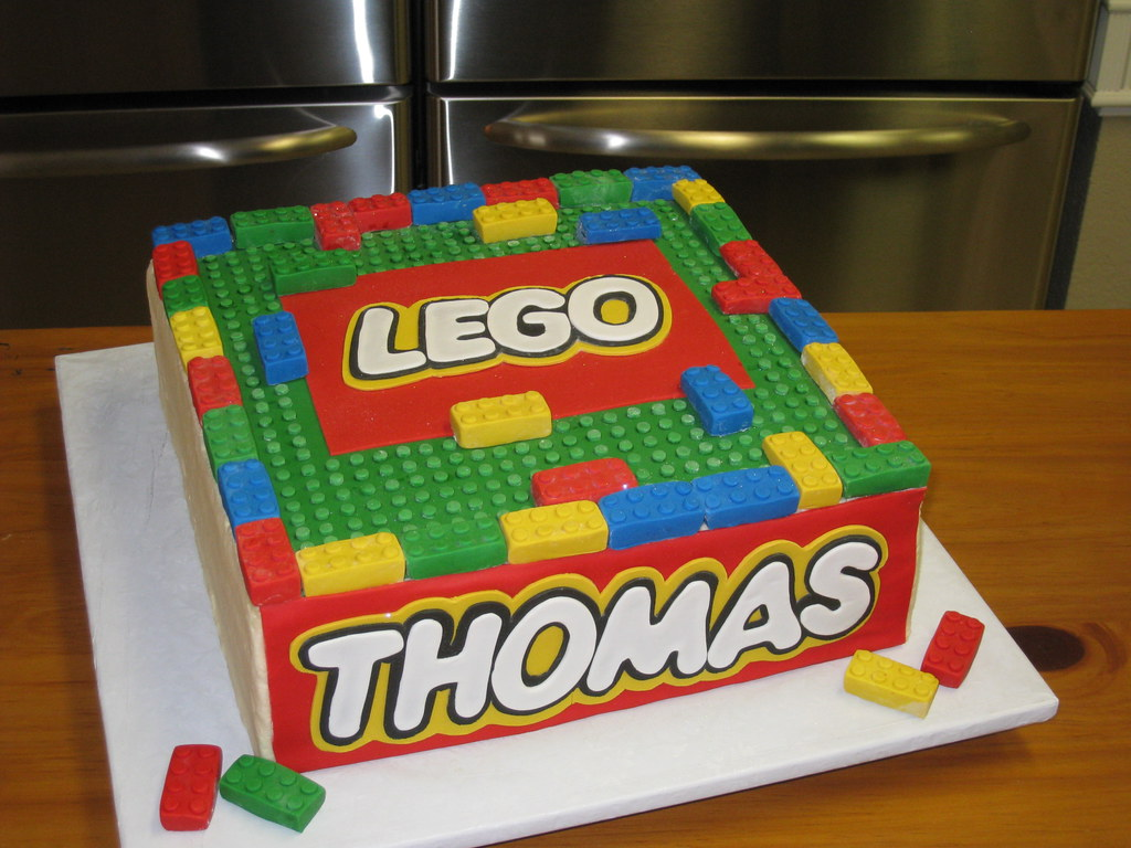 Lego cake | Cake is totally edible!! Fondant lego pieces! | Cindy