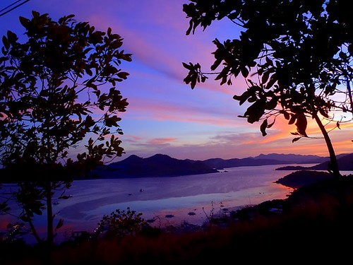 sunset island bay coron palawan tapyas