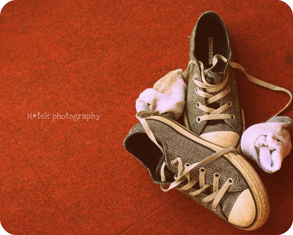 Molesto Manto Crítico  converse controversy | 76::365 I often find Riley's shoes wh… | Flickr