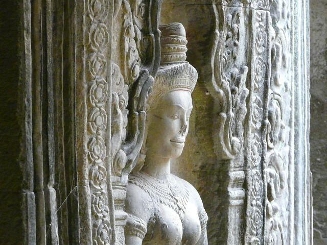 Apsara en uno de los templos de Angkor, uno de los mayores conjuntos arqueológicos que visitar en el Sudeste Asiático