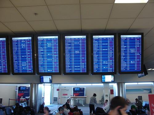 Delta Air Lines cancels over 800 flights from Atlanta | by nesnet