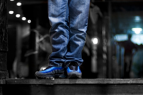reflection standing bench shoes legs bokeh nike collection kicks bluejeans gazeebo runningshoes nikkor50mmf14d imeldamarcos gma7 woodenbench colorseparation rubbershoes airmax95 project365 mondayblues nikond90 limitededitionshoes benchmonday michaeljosh stashblue cesarapolinario