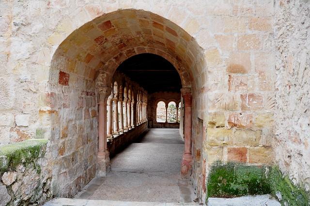 74 - Galeria Levante - Iglesia El Salvador - Carabias (Sigüenza - Guadalajara) - Spain