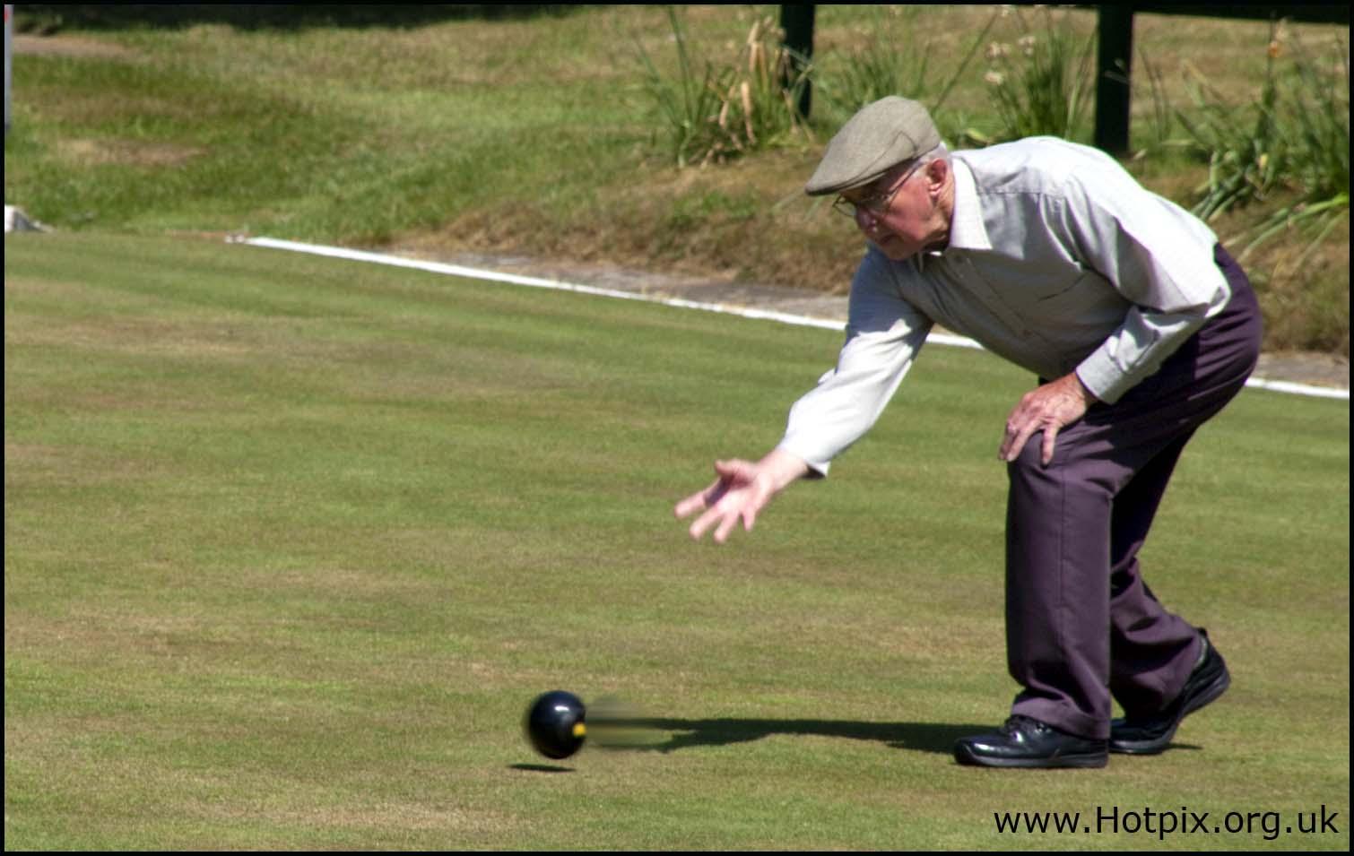 Cheshire,Northwich,cuddington,bowling,sport,club,summer,green,grass,play,player,playing,hotpix!
