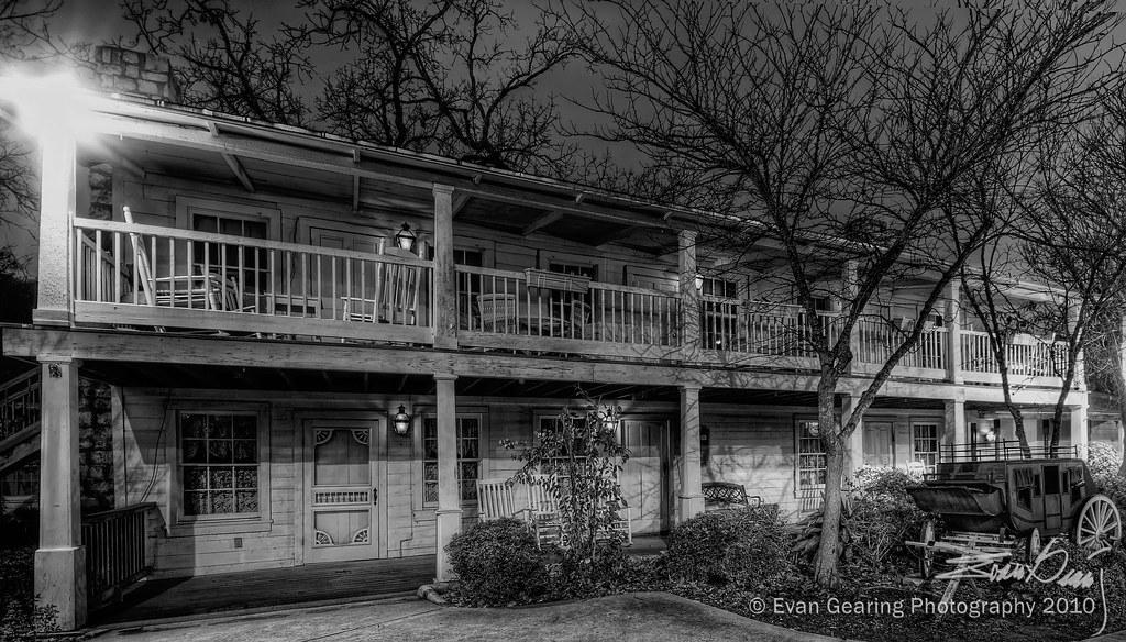 Stagecoach Inn B&W