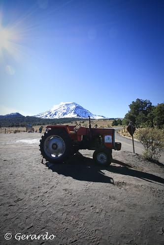 Popocatépetl y Tractor