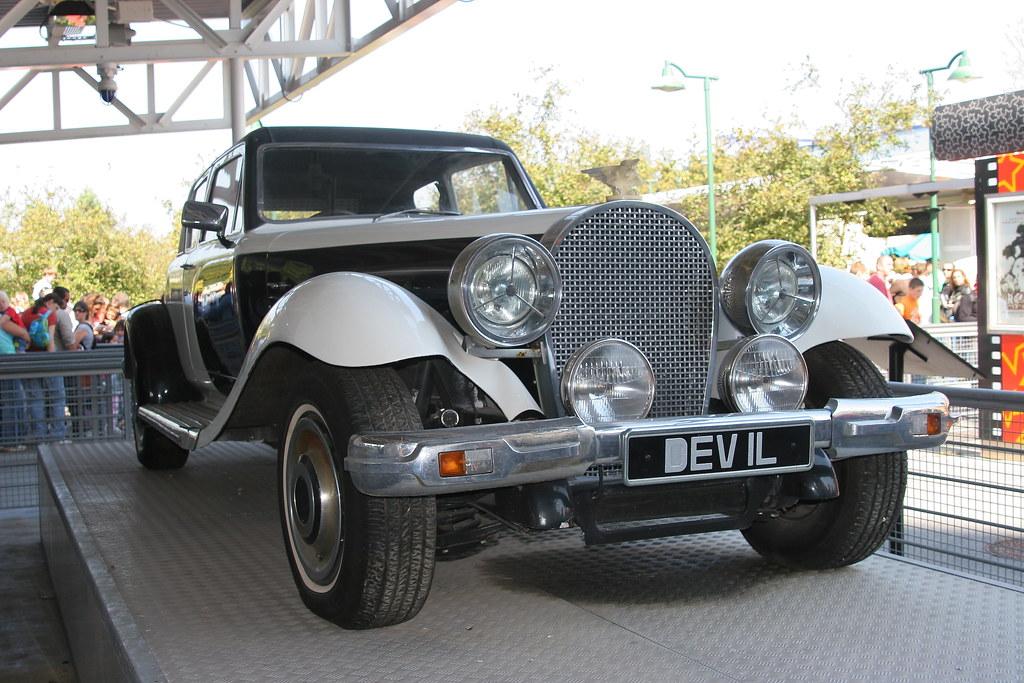 Cruella Deville Car Limo