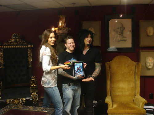 iPad show and tell with Nikki Sixx and Kerri Kasem | by doctor paradox