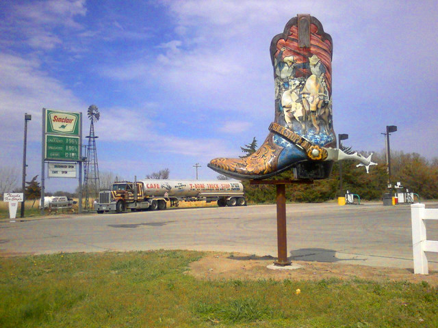 Freightliner Columbus Ne >> T Bone Truck Stop Columbus Ne This Was One Of The Places W
