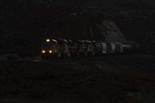 california canon lowlight trains socal unionpacific canondslr locomotives cajon railroads inlandempire emd cajonpass alltrains movingtrains sbcusa kenszok