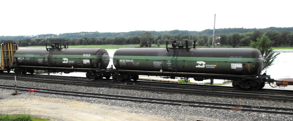 Fuel Tenders | The same eastbound train with the little swit… | Flickr