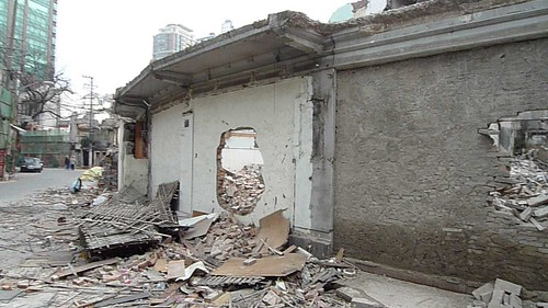 A walk down Wujiang Lu during demolition