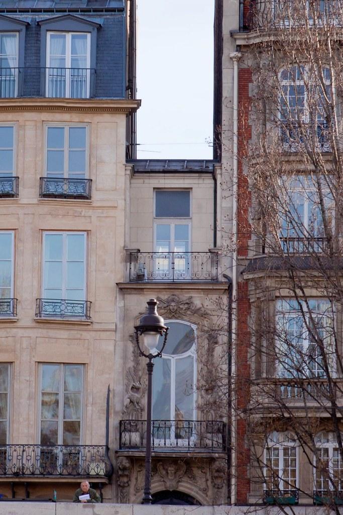 Awe Inspiring Smallest House In Paris This Is The Smallest House In Pari Download Free Architecture Designs Terstmadebymaigaardcom