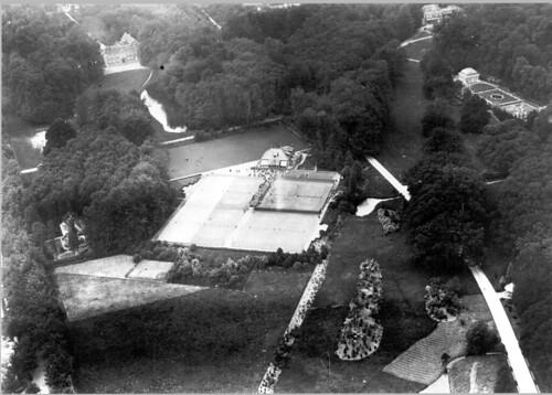luchtfoto van tennisbaren Klarenbeek en angerenstein