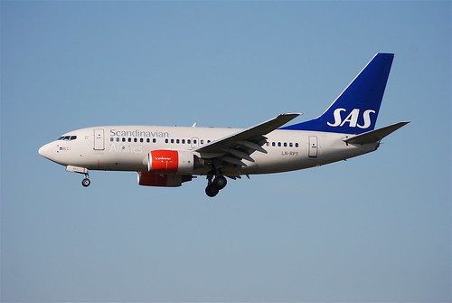 Scandinavian Airlines Boeing 737-600; LN-RPY@ZRH;07.04.2007/458fb   by Aero Icarus