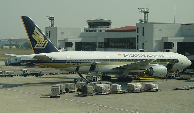 B777-212/ER | Singapore Airlines | 9V-SRG | DMK
