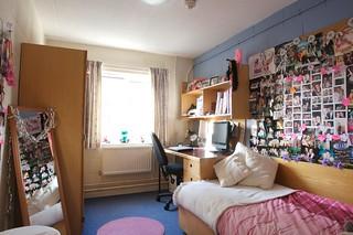 Simpsons Bedroom Details Flats Of 3 To 12 En Suite Rooms Flickr