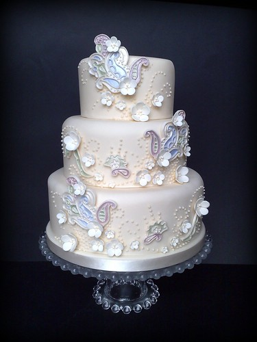 """""""A Paisley Dream"""" Wedding Cake 