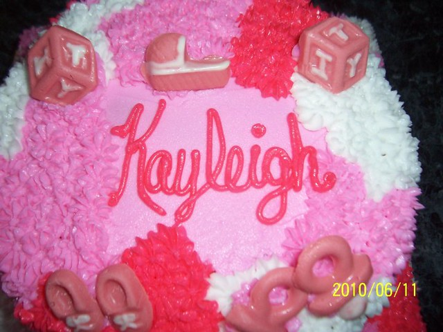 Baby shower cake / pink camo | name on cake | Carla | Flickr