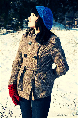 winter snow canada girl up hat fashion digital photoshop crossprocessed nikon december novascotia photoshoot modeling country curves posing ps lookingup lookup crossprocessing nikkor xprocessed annapolisvalley winterjacket winterfashion cs4 bluehat d90 inthecountry digitalcrossprocessing redmittens nikond90 december2009 nikkor18105mm