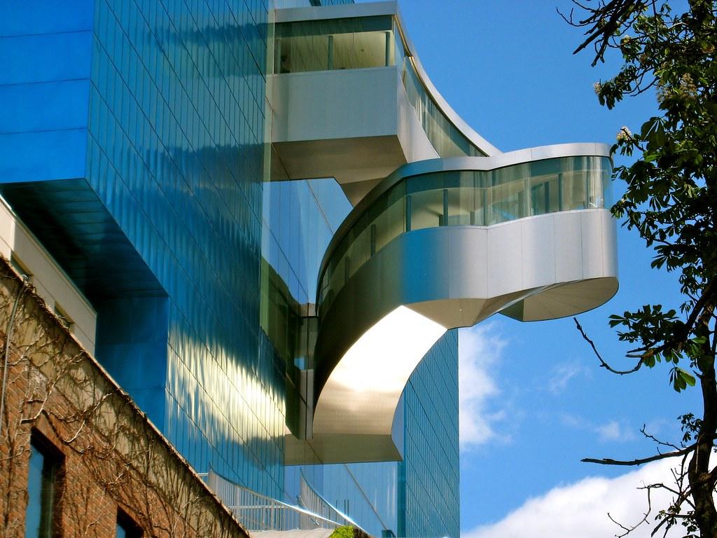 Art Gallery of Ontario (exterior)