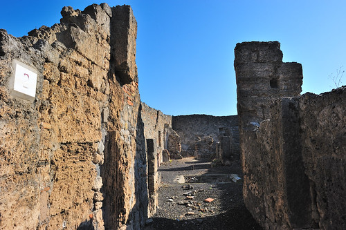 Pompeii streets and buildings   by llee_wu