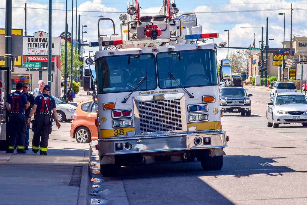 Denver Fire Truck 38 | 1995 Spartan / Smeal 75′ rear mount a
