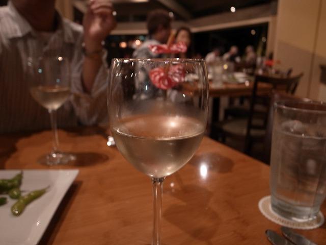 <p>前菜にあわせたワイン<br /> ドイツのリースリング・・・おいしかった~</p>