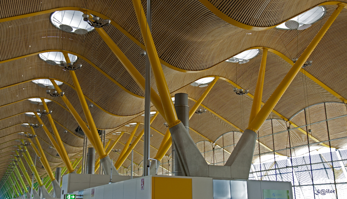 The Spine - Spinal View of Madrid Barajas Airport by S@ilor