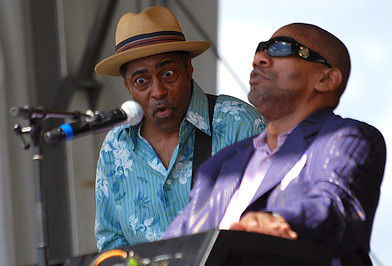 Henry Butler mystifies his guitarist and electrifies the crowd at Jazz Fest 2009