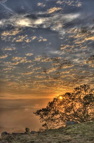 light cloud sun sunrise southafrica photographer sony alfa alpha zon hdr hillcrest zonsopgang durban wolk fotograaf heiligenberg zuidafrika photomatix a700 valleyofathousandhills monteseel justclouds valleyofa1000hills licjt klaasheiligenberg klaash63 klaash mygearandmepremium mygearandmebronze