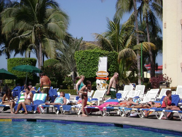 Piscina/Swimming pool, Holiday Inn, Puerto Vallarta, México - www.meEncantaViajar.com