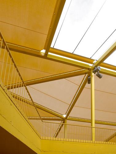 plaza ecopolis - escuela infantil rayuela - patio   by ecosistema urbano