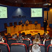 Lun, 18/01/2010 - 12:32 - Luisa Pena, directora de Tecnópole, da la bienvenida a los aspirantes a participar en los programas 'Novos Científicos' y 'Aulas de I+D' en Tecnópole. 18 de enero de 2009.