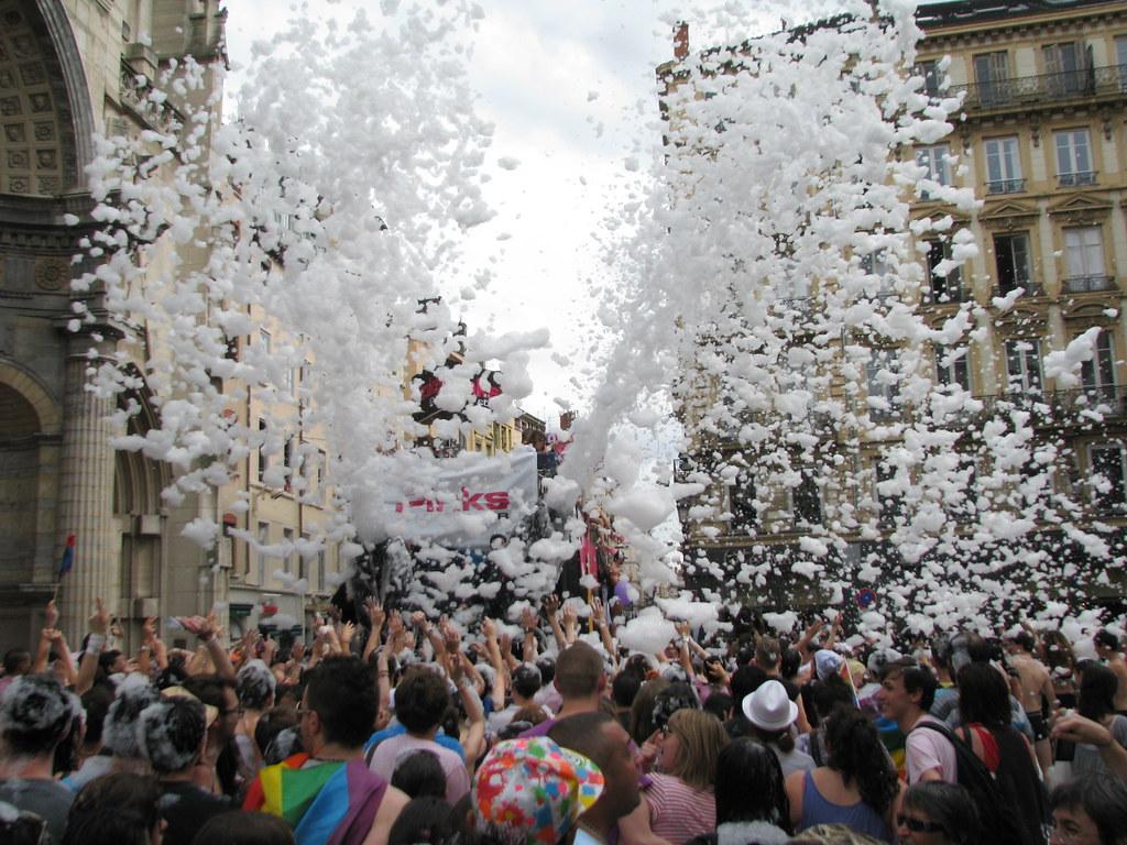 gay lyon rencontre à Saint Malo