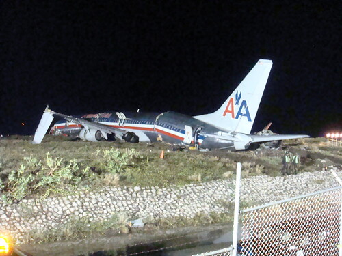 wet plane airport crash norman international jamaica americanairlines runway 2009 737 planecrash hydroplane benward runwat overshoot normanmanleyinternationalairport normanmanleyairport benedictward 22nddecember2009 aa331 christmasjamaica