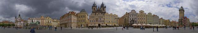 Plaza del Ayuntamiento en el barrio de Staré Město, Praga. República Checa.