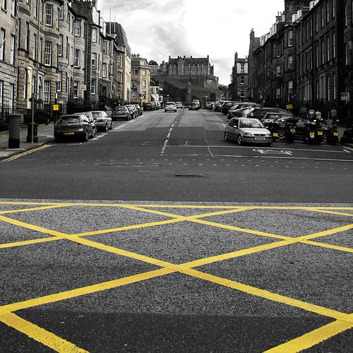 allontanarsi dalla linea gialla