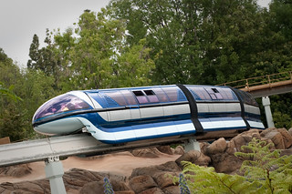 Monorail - Disneyland | by hyku