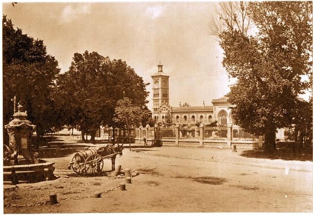 Fuente de Cabrahigos y Estación de Ferrocarril de Toledo a comienzos del siglo XX