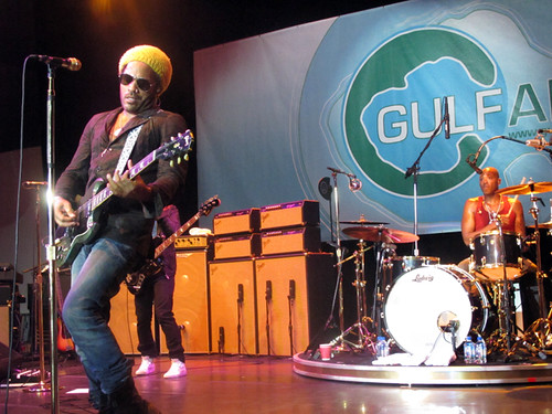 Lenny Kravitz closes out the big stage at Gulf Aid