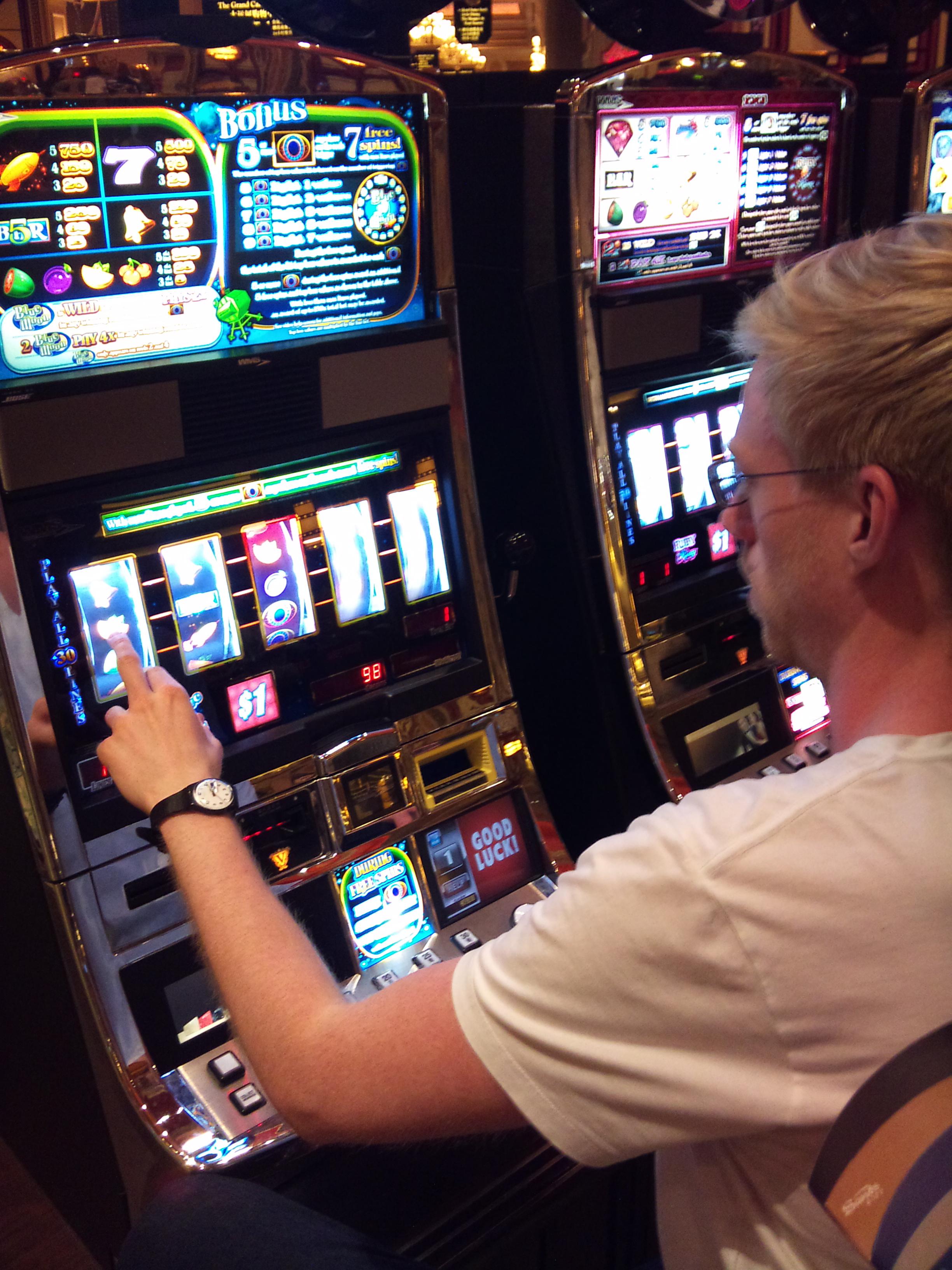 Игра автоматы шампанское ешки доллары