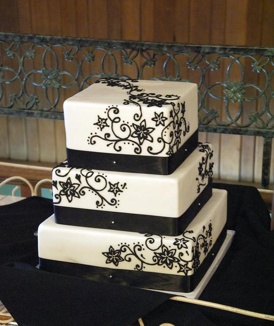 W9100 - white black filigree wedding cake