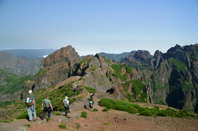 Pico do Arieiro Hikers.jpg